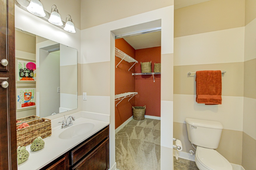 Model home bathroom in Sylvania